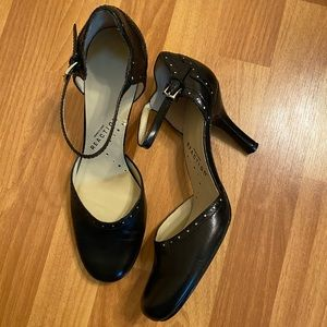 Kenneth Cole Reaction Leather Heels. Size 8M